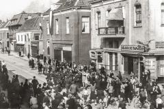 32e-Duitse-krijgsgevangenen-Hoofdstr-Emmastr